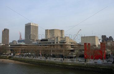 London  Grossbritannien  das Royal National Theatre Southbank am Ufer der Themse