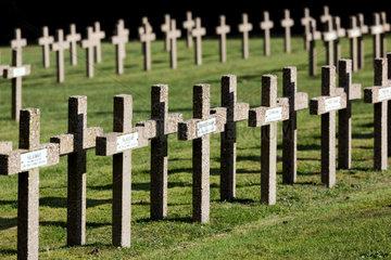 Michelbrunn  Frankreich  franzoesischer Soldatenfriedhof Cimetiere Militaire du Donon