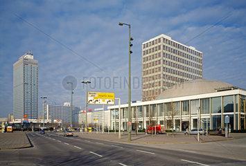 Berlin  Deutschland  Blick auf den Alexanderplatz
