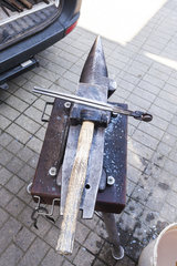 Werkzeuge eines Hufschmieds