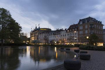 Hotel *Goldenes Kreuz* am Augustaplatz
