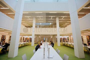 Berlin  Deutschland  Bibliothek des Neubaus der Freien Universitaet Berlin