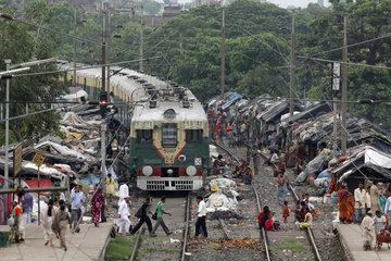 Reportage Tiljala Slum auf den Bahngleisen von Kolkata