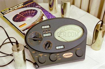 E-Meter  Scientology  1999