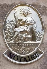 Saint-Emilion  Frankreich  franzoesisches Notariatsschild