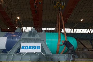 Berlin  Deutschland  Transportvorbereitung fuer einen Abhitzekessel der Borsig GmbH