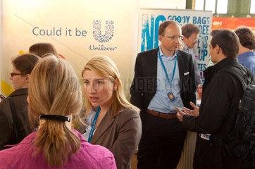 Berlin  Deutschland  Besucher auf der Connecticum 2011 am Stand von Unilever