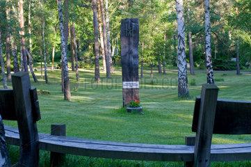 Berlin  Deutschland  Urnenfeld auf dem Waldfriedhof Zehlendorf