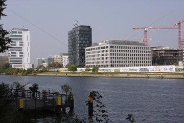 Neue Immobilien an der East Side Gallery in Berlin Friedrichshain