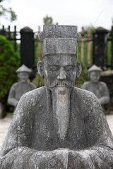 Hue  Vietnam  eine Statue auf dem Gelaende des Kaisergrabs von Minh Mang