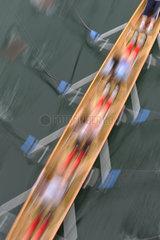 Ruderboot von oben  Bewegungsunschaerfe