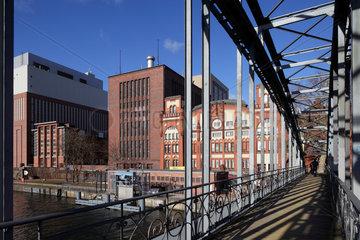 Berlin  Deutschland  Siemenssteg und Kraftwerk Charlottenburg
