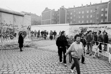 Berlin  Deutschland  Maueroeffnung an der Bernauer Strasse