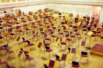 Berlin  Deutschland  Buehne mit der Bestuhlung fuer das Orchester im Konzerthaus
