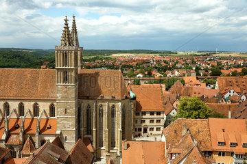 Rothenburg ob der Tauber  Deutschland  Blick vom Rathausturm auf die Jakobskirche