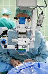 Deutschland  Krankenhaus  Operation des grauen Stars