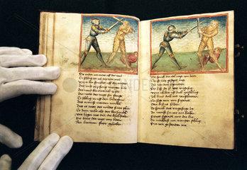 Im Heldenepos â Sigenotâ befreit Dietrich von Bern den Zwerg Baldung  der sich in der Gefangenschaft eines wilden Mannes befindet. Zum Dank schenkt ihm der Zwerg einen Zauberstein mit schützenden Kräften.