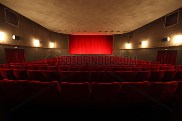 Berlin  Deutschland  leerer Kinosaal in der Adria-Filmbuehne