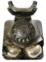 kaputtes altes Posttelefon von 1961