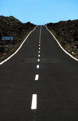 Teneriffa - Strasse in den Canadas (Hochebene am Teide)