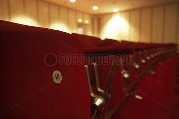 Sitzreihe im Theater