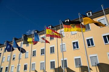 Muellheim  Deutschland  Flaggen auf dem Gelaende der Robert-Schuhmann-Kaserne