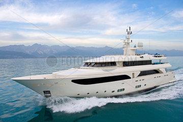Mega-Luxusyacht