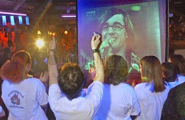 Fanclub Daniel Kueblboeck bejubelt Auftritt bei DSDS  2003