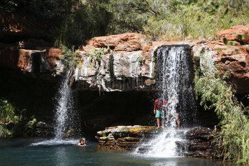 Tom Price  Australien  Dales Schlucht im Karijini Nationalpark mit den Fortescue Falls
