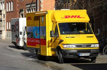 DHL  DPD Paketlieferwagen