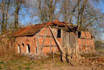 Eingefallener Bauernhof