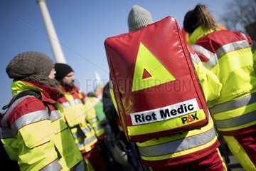 Riot Medic  Turkey-Kurds-Conflict Demo