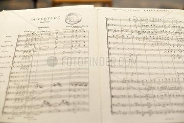 Partitur im Konzert