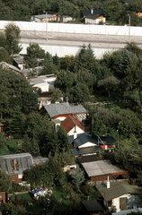 Schrebergartensiedlungen direkt an der Mauer  Berlin