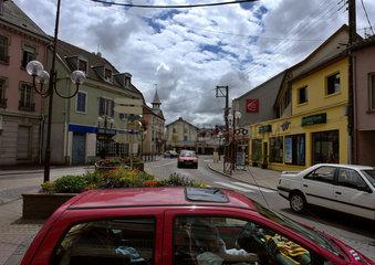 Strassenkreuzung in Mathay  Frankreich