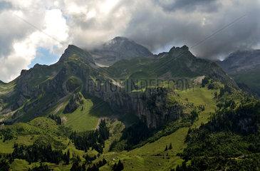 Blick auf die Wendenstoecke  Alpen