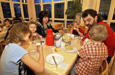 Grossfamilie im Urlaub