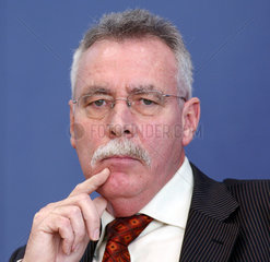 Prof. Dr. Wolfgang Wiegard