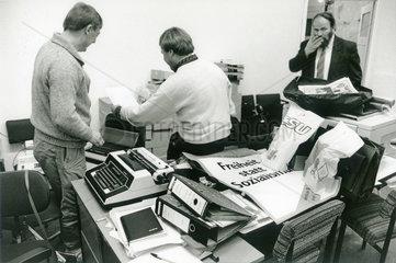 Wahlkampfhilfe fuer die DSU  Volkskammerwahl  1990