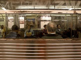 U-Bahn New York City  Fahrgaeste