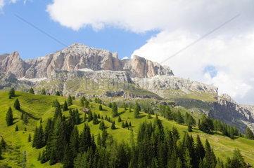 Sellamassiv in den Dolomiten mit Piz Boe