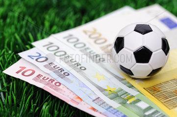 Fussball auf Euro-Scheinen  Wettskandal