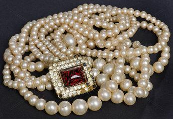 Modeschmuck  Perlenkette  1930