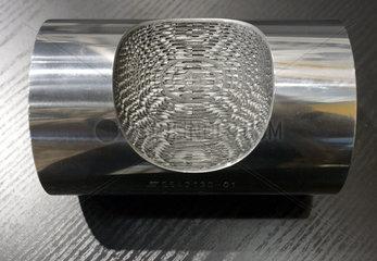 Russpartikelfilter fuer Dieselfahrzeuge - Schnittmodell Blick in das Filterinnere