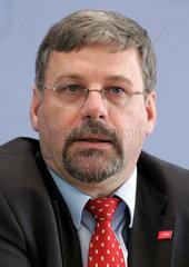 Hans-Carsten HANSEN  Personalchef BASF