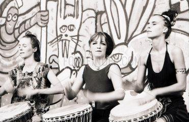 Kunst Happening zum 25 Jahre Berliner Mauer