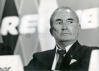 Franz Schoenhuber  Vorsitzender der Republikaner  1989