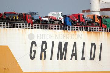 Frachtschiff der Grimaldi Lines