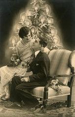 Weihnachten  Liebespaar  Kitsch  1927