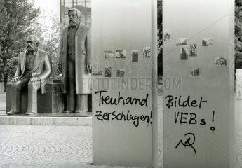Protest gegen die Treuhandanstalt  Berlin  1991